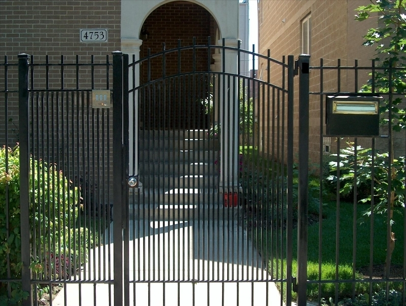 Wrought Iron Fence Installer Chicago
